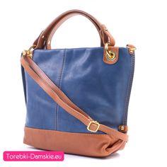 f105bbc4570df Model torebki skórzanej w najmodniejszym odcieniu koloru niebieskiego (blue  jeans) w połączeniu z modnym
