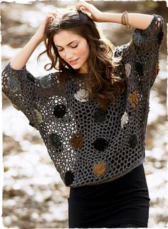 Dolman style pullover with crochet roses caught in a background mesh |       ♪ ♪ ... #inspiration_crochet #diy GB