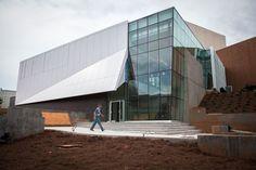 Restauración y Remodelación: Museo de ladrillo y cristal. Museo de Arte Zuckerman