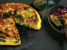 - Jule Frittata - Christmas-leftovers to make a delicious frittata Frittata, Vegetable Pizza, Food To Make, Zucchini, Snacks, Vegetables, Breakfast, Recipes, Dinners