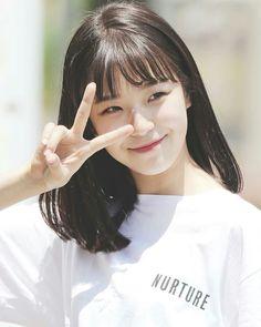 aн ena ĸeĸnya [private on some chap] warn; Cute Korean Girl, Korean Girl Groups, Cute Girls, Cool Girl, Cute Bangs, Sketch Poses, Starred Up, Hair Goals, Kpop Girls
