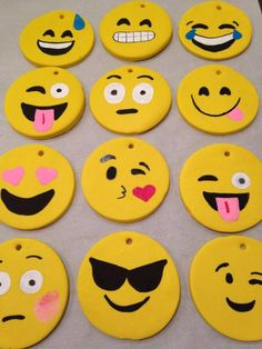 DIY Emoji Ornaments! Perfect for when you have the kids home on a school break. All you need is some yellow polymer clay and paint pens. For step by step instructions go to: www.funkitch.com