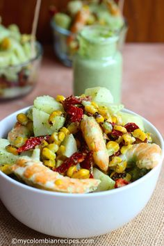 Potato and Shrimp Salad with Cilantro and Lime Dressing - Site Title My Colombian Recipes, Colombian Food, Loaded Sweet Potato, Salad With Sweet Potato, Grilled Sweet Potatoes, Baby Potatoes, Salads To Go, Veggie Dinner, Lime Dressing