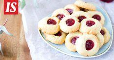 Mureat ja herkulliset muropikkuleivät sulavat suuhun. Thumbprint Cookies, Sweet Pastries, Cookie Recipes, A Food, Pie, Desserts, Sweets, Recipes For Biscuits, Torte