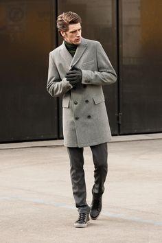 Strellson Premium Look Fall/Winter 2013 #strellson #coat #grey #menswear #fashion #gloves