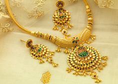 Gold Jewelry For Baby Boy Refferal: 4011011295 Gold Earrings Designs, Gold Jewellery Design, Necklace Designs, Gold Designs, Gold Jewelry Simple, Jewelry Model, Jewelry Patterns, Small Necklace, Necklaces