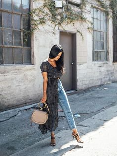 490a279bdcc See how to wear your maxi dress like a blogger this summer