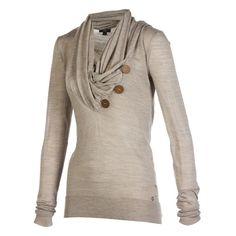 Toller Pullover in schöner Herbstfarbe mit schönenm Ausschnitt
