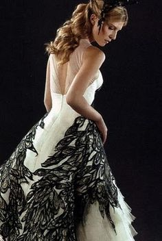 again, fleur's dress, from the back this time