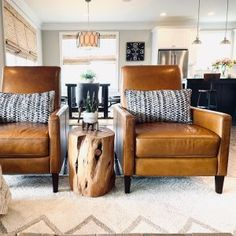 Want to change your living room? Before committing the irreparable, discover the pitfalls to avoid in the layout of the living room. My Living Room, Living Room Chairs, Home And Living, Living Room Decor, Modern Living, Natural Living Rooms, Living Room Side Tables, Barn Living, Small Living