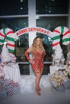 Mariah Carey Photos Photos - Global Icon Mariah Carey Announces Mariah Carey Christmas Factory During the Grand Opening of Sugar Factory American Brasserie in Seattle - Zimbio Kirsty Maccoll, Mariah Carey Christmas, Maria Carey, Mariah Carey Pictures, Eartha Kitt, Global Icon, Illusion Dress, Celebrity News, Celebrity Babies