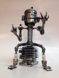 Bonhomme tête de piston Scrap Metal Art, Craft Art, Sculpture, Metal Crafts, Heavy Metal, Fountain, Arts And Crafts, Cool Stuff, Toys
