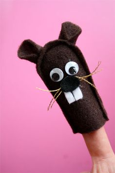 Hogs: Hedge and Ground (Hedgehogs and Groundhogs): Groundhog Finger Puppets