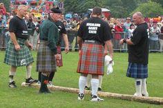 Caber Toss - Highland Games - Inverness Scotland