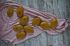 Madalenas de laranja e mel de cana