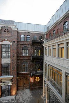 Przebudowany budynek dawnego hotelu Saskiego, który od teraz będzie supernowoczesnym biurowcem, który właściciele nazwali Plac Bankowy 1