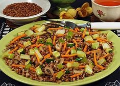 Pohánkové rizoto Raw Food Recipes, Lunch Recipes, Healthy Recipes, Kung Pao Chicken, Quinoa, Chili, Grains, Food And Drink, Soup