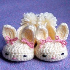 Crochet patterns baby booties Bunny House by TwoGirlsPatterns, $5.50