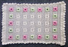 Capatex Barbantes: Tapete Crochê com Flores Coloridas