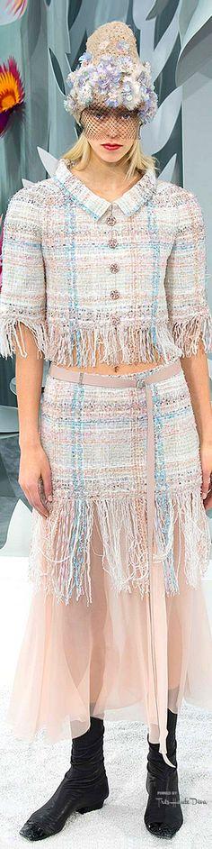 Chanel Spring 2015 Couture www.bibleforfashion.com/blog #bibleforfashion