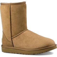 Rosie Huntington-Whiteley wearing Ugg Australia Classic II Boots
