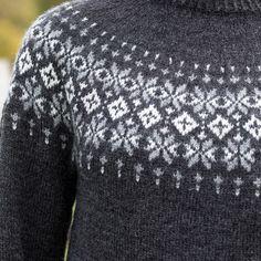 GG278-05 Rein genser koks   Gjestal Icelandic Sweaters, Knitting Patterns, Knitting Ideas, Beret, Sewing, Fashion, Tuto Tricot, Threading, Breien