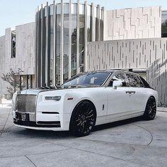 Rolls Royce – One Stop Classic Car News & Tips Voiture Rolls Royce, Rolls Royce Cullinan, Rolls Royce Motor Cars, Rolls Royce Phantom, Exotic Sports Cars, Best Classic Cars, Fast Cars, Cars And Motorcycles, Luxury Cars