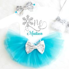 Frozen Winter Onederland Outfit - Winter Onederland First Birthday Outfit, Frozen Birthday Outfit, Winter Wonderland Birthday Outfit Winter Birthday Outfit Source by KennedyClaireCouture - Frozen First Birthday, Frozen Birthday Outfit, First Birthday Winter, Baby Girl Birthday Outfit, Winter Wonderland Birthday, Girl Birthday Themes, Birthday Party Outfits, Baby Girl First Birthday, Birthday Ideas