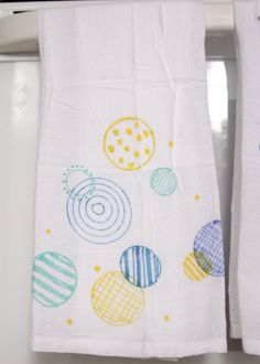 DIY colorful tea towels from the flour sack towels-Skip To My Lou
