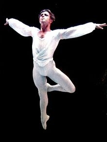 I was fortunate enough to take a ballet workshop from him when I was a kid. Male Ballet Dancers, Ballet Boys, Dance Leaps, 12 Days Of Xmas, Dance Tights, Guys, Dancing, Beauty, Clowns