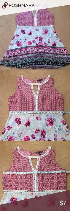 Summer dress Beautiful easy summer dress. Fit and flare that's a bit of an empire waist. EUC Derek Heart Dresses