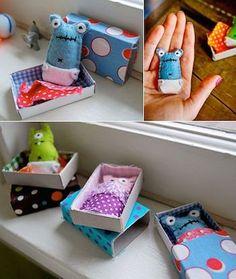 matchbox monsters - Mini-Monster in der Schachtel Kids Crafts, Cute Crafts, Felt Crafts, Craft Projects, Sewing Projects, Arts And Crafts, Sewing Hacks, Craft Ideas, Matchbox Crafts