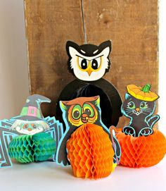 Vintage Halloween Honeycomb Paper Decorations by Digvintageshop