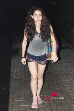 Sara Ali Khan spotted at the gym in Bandra - Indian Hot Girls Bollywood Celebrities, Bollywood Actress, Huma Qureshi Hot, Sara Ali Khan, Bollywood Stars, Beautiful Indian Actress, Hottest Models, Indian Beauty, Sexy Legs