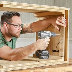 This elegant outdoor storage bench is actually very easy and inexpensive to build. We'll walk you through how to build one (or more! Patio Storage Bench, Pool Storage, Diy Bench, Outdoor Storage, Diy Storage, Diy Outdoor Table, Diy Outdoor Furniture, Diy Furniture Projects, Wood Furniture