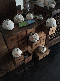 """Embers in Ashes"" Ueda Yuji ceramics exhibition 「灰に熾火」 上田勇児 個展 陶芸 #pragmata"