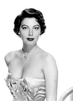 """summers-in-hollywood: """"Ava Gardner for Pandora and the Flying Dutchman, 1951 """" Hollywood Icons, Vintage Hollywood, Hollywood Glamour, Hollywood Stars, Classic Hollywood, Hollywood Divas, Ava Gardner Frank Sinatra, Ava Gardener, Carmen Dell'orefice"""