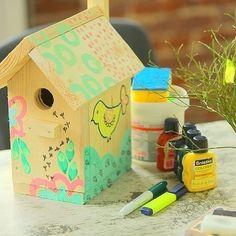 Весна!  Ребята на весеннем воркшопе  раскрашивают наши скворечники!  Смотреть -то как радостно (: Доставим по Минску бесплатно.  Цена - 200 000BYR (10$)/шт.  #скворечник #весна #birdhouse #garling #spring #woodworking #woodwork #woodensouvenir #nestingbox #nest #birds #gardenfurniture #garden #house #сад #кормушка #скворец #птицы #весна #Садоваямебель #деревообработка #дерево #Беларусь #handmade #belarusgram #belarusinsta #woodworks #handmademinsk #mogilev #хэндмэйд #минск de chop_and_slice