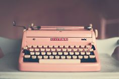 I Neeeeeed this in my life!!!  Pink Vintage Typewriter