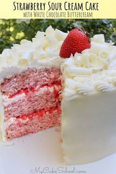 Strawberry Sour Cream Cake with White Chocolate Buttercream Frosting! This scratch recipe is SO good! # strawberry cake Strawberry Sour Cream Cake with White Chocolate Buttercream Strawberry Layer Cakes, Strawberry Cake Recipes, Strawberry Birthday Cake, Strawberry Filling, Strawberry Shortcake, White Chocolate Strawberries, Chocolate Strawberry Cake, Chocolate Cream, Cake Chocolate