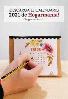 Si quieres un calendario original y diferente para tu escritorio o mesa de trabajo… ¡Descárgate el calendario de Hogarmania! La temática de este año es floral y acuarela, ¡a por un año mejor! #manualidades #crafts #2021 #calendario @decogardentv Floral, Ideas, Watercolor Painting, Dibujo, Workbenches, Free Downloads, Easy Crafts, Desktop, Flowers