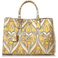 I rented this fabulous Prada Saffiano Print Tote for my conference.  Loved It!!