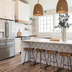 8 Glowing Simple Ideas: Kitchen Remodel House new kitchen remodel ideas.Farmhouse Kitchen Remodel To Get. Home Decor Kitchen, New Kitchen, Kitchen Dining, Rustic Kitchen, Awesome Kitchen, Kitchen Stools, Kitchen Cabinets, Boho Kitchen, Dining Rooms