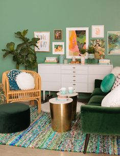 color adventures: a green living room! (Oh Joy! Living Room Green, Living Room Decor, Living Spaces, Green Pillows, White Pillows, Diy Home, Home Decor, Couple Room, Inspired Homes