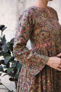 Love this fabric! Kurti Neck Designs, Kurta Designs Women, Indian Fashion, Boho Fashion, Modest Fashion, Fashion Dresses, Designs For Dresses, Mode Hijab, Indian Designer Wear