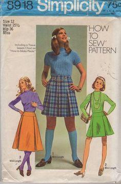 Simplicity 8918 ©1970 pleated skirt