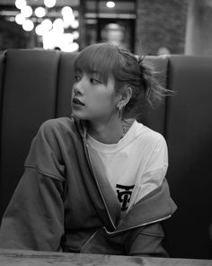 Lisa Lalisa Manoban Blackpink LISA Lisa Blackpink [lalalalisa_m] Jennie Lisa, Blackpink Lisa, Lisa Chan, Rapper, Lisa Blackpink Wallpaper, Grid Wallpaper, Wallpaper Wallpapers, Black Pink, Blackpink Photos