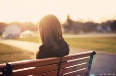 Quên cậu sẽ nhanh thôi!   Tớ không hứa sẽ yêu cậu cả cuộc đời này. Nhưng tớ hứa sẽ yêu cậu nhiều bẳng tất cả những giọt mưa trong đời cộng lại  ảnh minh họa  Phố lên đèn.  Lại một ngày nữa Nam một mình dạo bước khắp các con phố với những nỗi nhớ miên man vô định. Anh vẫn nhớ đôi mắt ấy nụ cười ấy giọng nói ấy và cả giọt nước mắt ấy. Anh nhớ cả cái cách anh đẩy người con gái ấy ngã nhào khiến cô suýt bị 1 chiếc ô tô đâm phải. Đúng anh thật là một kẻ nhẫn tâm. Anh nhẫn tâm cả với người con gái…