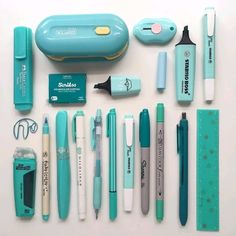 Turquoise stationery flatlay by - school outfits Stationary Supplies, Stationary School, Cute Stationary, School Stationery, Art Supplies, Stationary Design, Menu Design, Logo Design, Design Design