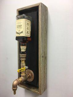 Dispensador de licor de montaje de pared latón Junior